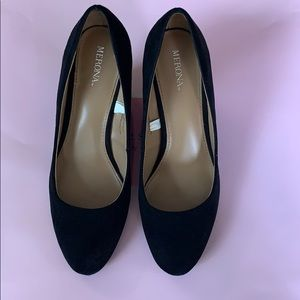 Black Wedges Size 7.5